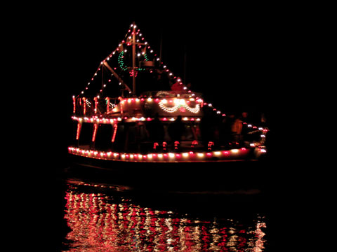 lightedboat05.jpg