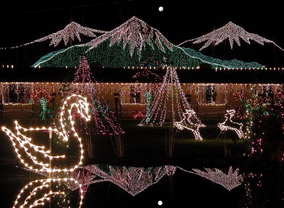 Lights Of Christmas Warm Beach Wa